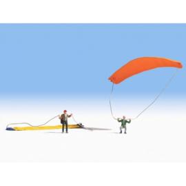 Noch 15886 : Paragliders