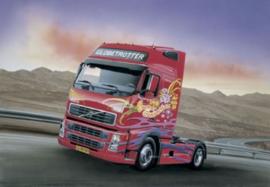 Italeri 3821 # Volvo FH 16, Globetrotter XL
