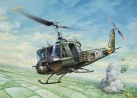 Italeri 0040 # UH-1B Huey