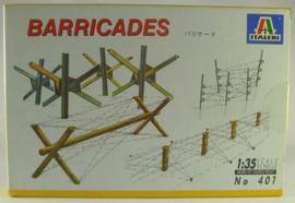 Italeri  401 Barricades