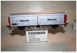 """Fleischmann 5338 Schuifwandwagen """"Miele"""" (DB)"""