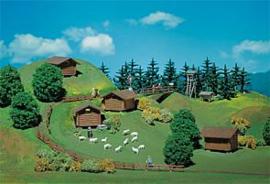 Faller 272530 : Hooischuren en bosdecoratie