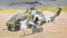 Italeri 160 # AH-1W Super Cobra