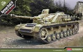 Academy 13522. German StuG IV