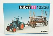 Kibri 12236 - Tractor met hooiwagen