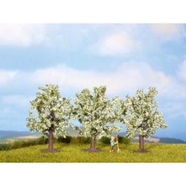 Noch 25511# Bloeiende fruitbomen wit 3 stuks