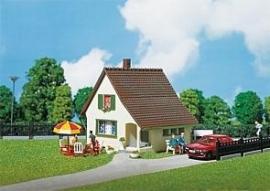 FALLER 130204 : Buitenhuisje met portiek