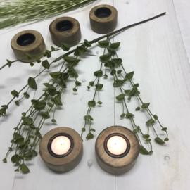 Houten waxinelichthouders rond