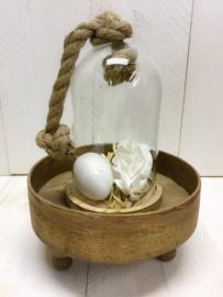 Glazen stolp met touw
