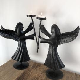 Staande engel, metaal