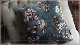 Kussen fluweel 45 x 45 cm | bloesemtak