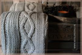 Plaid gebreid kabel l 130 x 170 cm beige