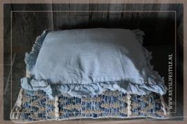 Kussen romantisch linnen | lichtblauw
