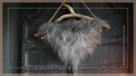 Hanger schapenwol aan stok   4