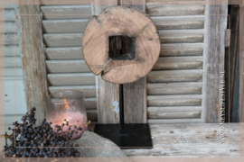Ornament rond hout op voet 1