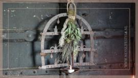 Raamwerk ijzer incl droogbloemen toef