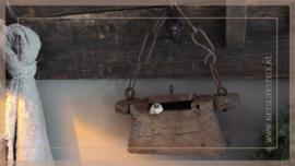 Oude houten oliebox | 2