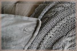 Velvet kussen 50 x 50 cm | grijs