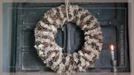 Krans Dennenappel reindeer moss   60 cm