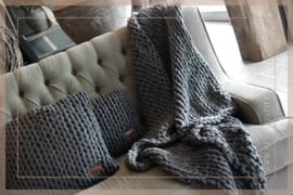 Plaid knitted 150 x 125 cm | donker grijs