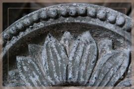 Ornament op voet Incala | M