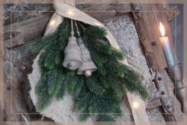 Pine tak donkergroen   77 cm