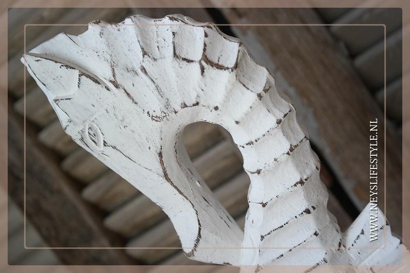 Zeepaard hout wit 40 cm