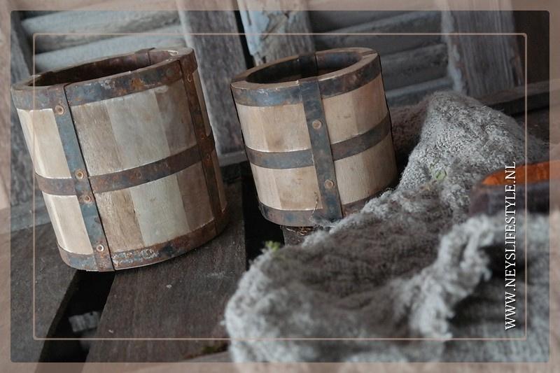 Oude pot hout | M