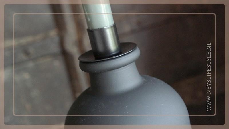 Metalen fles kaarsenhouder   zwart