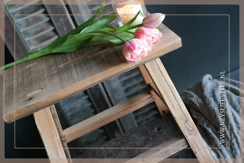 Houten decoratiekrukje Connor | M