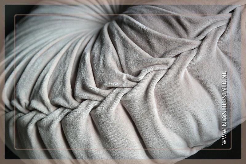 Velvet kussen soft pink | 60 cm