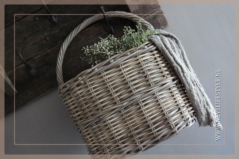 Basket hang mand rotan