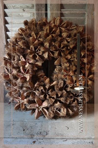Kartoos flower krans | 48 cm