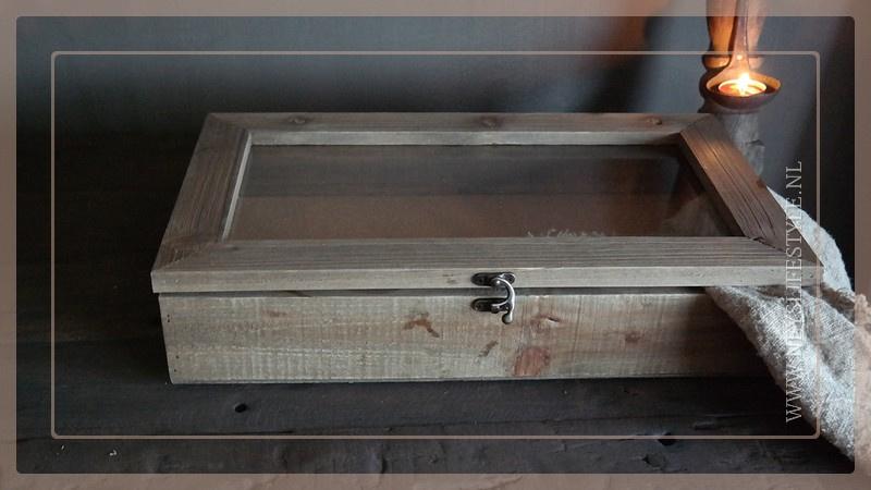 Vitrinekastje hout