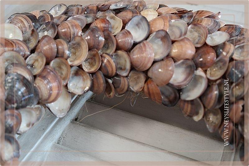 Krans brown shells 35 cm