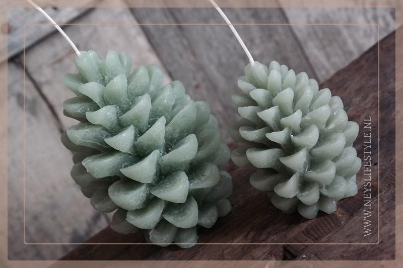 Kaars pine cone | groen M