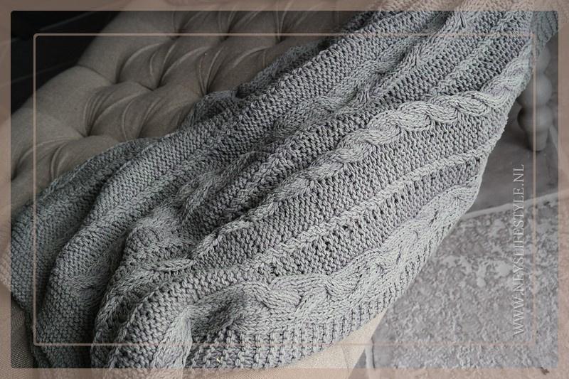 Plaid gebreid 130 x 170 cm | grijs