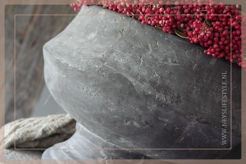 Bowl pot on foot | vintage