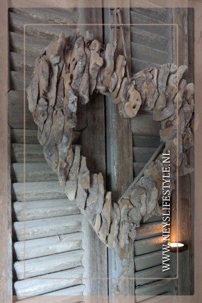 Hart hanger | driftwood