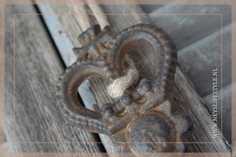 Oude sleutel kroon