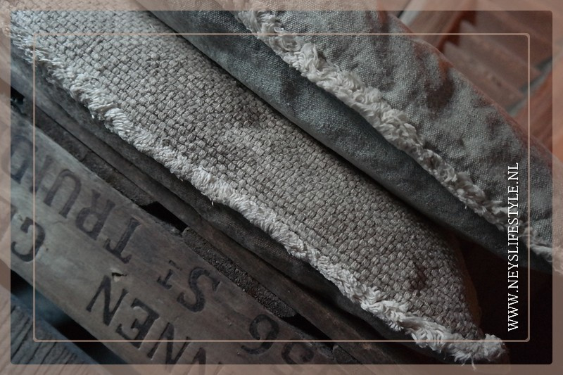 Kussen Revy l 45 x 45 cm | zand