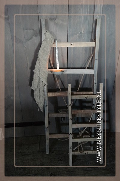 Ladder/hangrek hout | S