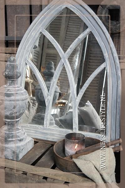 Spiegel church grijs