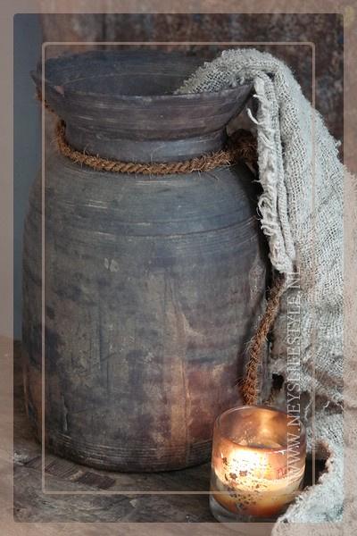 Oude Nepalese kruik | dark