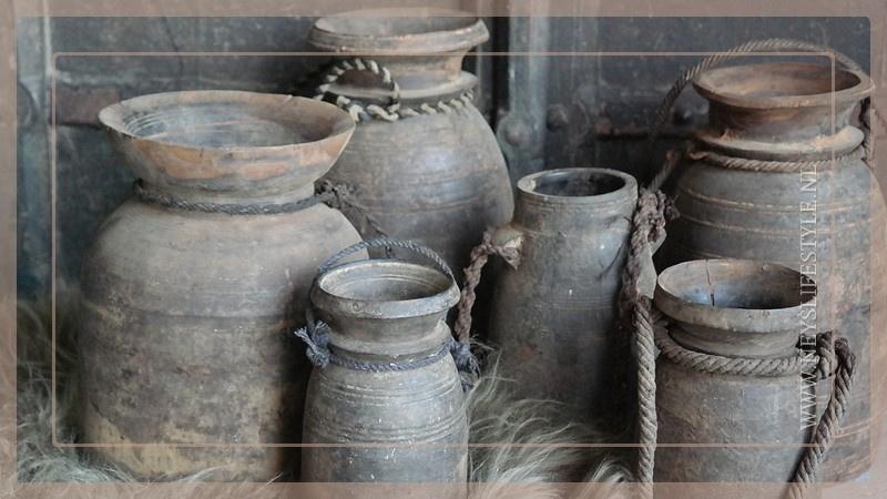 Nepalese pot   M