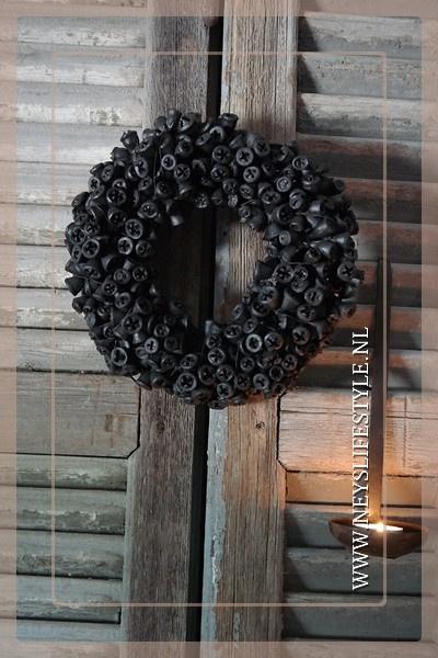Wax krans Exotica clock black 23 cm