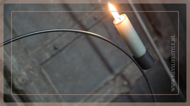 Metalen ring kaarsenhouder | zwart
