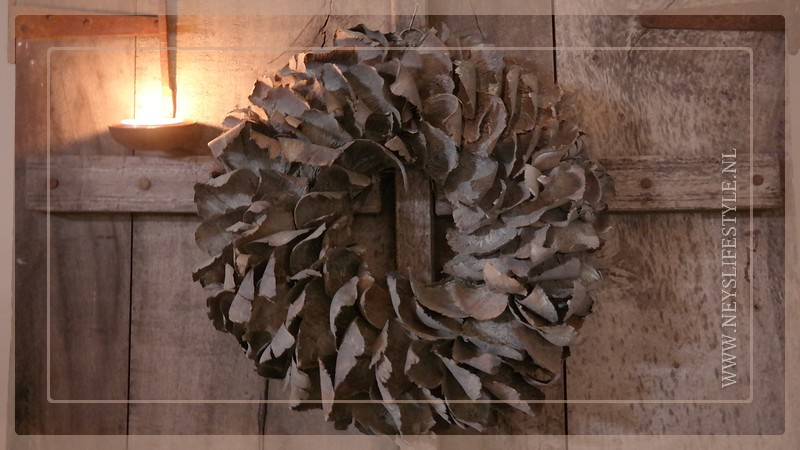 Krans palm petal   grey wash   40 cm