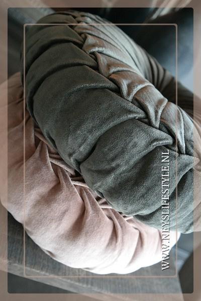Velvet kussen donker groen | 40 cm