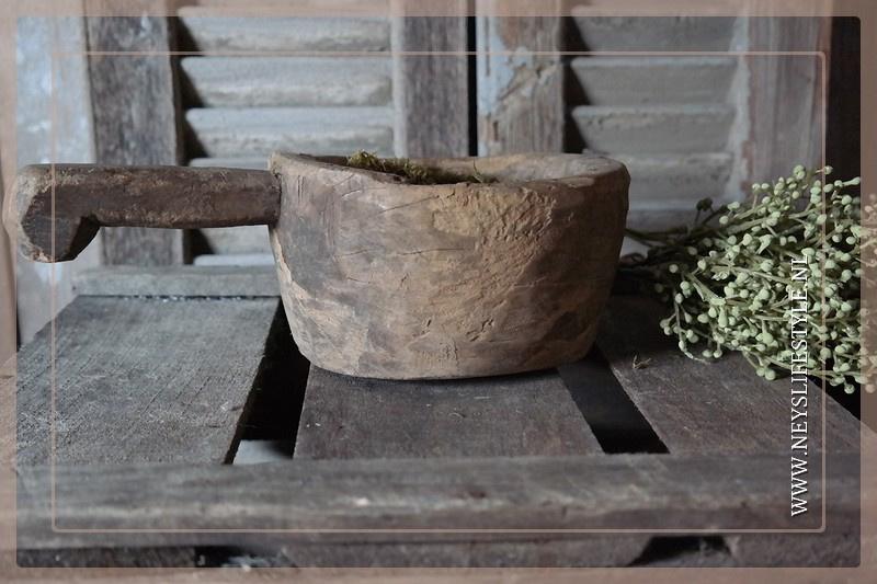 Oude houten vijzel | 1